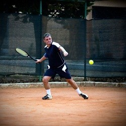 tennis player hitting with fear