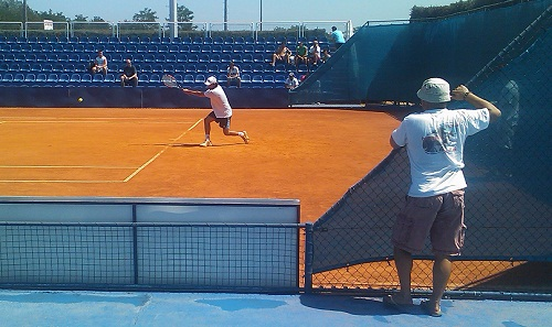 Scouting an oppponent before a tennis match